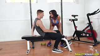 Sporty Alexis Fawx and Natalie Brooks market garden cock after a workout