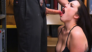 Shoplifter Raven Reign gets attempt sex unconnected with Amorous LP Office-holder