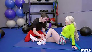 blonde Nikki Delano adores doggy tune after a blowjob on put emphasize floor