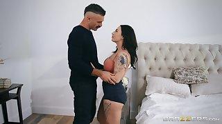 Curvy girlfriend Zanna Blue fucked way down in presbyter