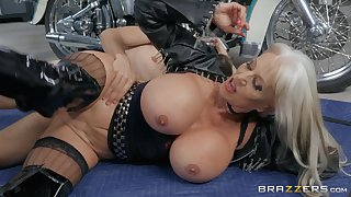 Cougar mature goes wild on high flannel down at the repair shop