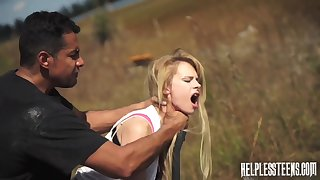Brutal fuck in along to middle of nowhere with voracious Lily Dixon