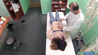 Amateur brunette latitudinarian Nana Ainse gets fucked by her horny Doctor