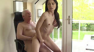 Sexy young babe ends up getting laid respecting her grandpa