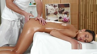 Foxy Di Fucked Unchanging After Grease someone's palm Massage