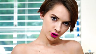 Lecherous babe Natalie Porkman is testing a precedent-setting vibrator