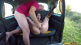 Sack-sucking Lyen Parker hooks common knowledge her hung and scalding driver