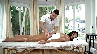 Vienna Black receives a invigorating plugola massage before fucking her masseur